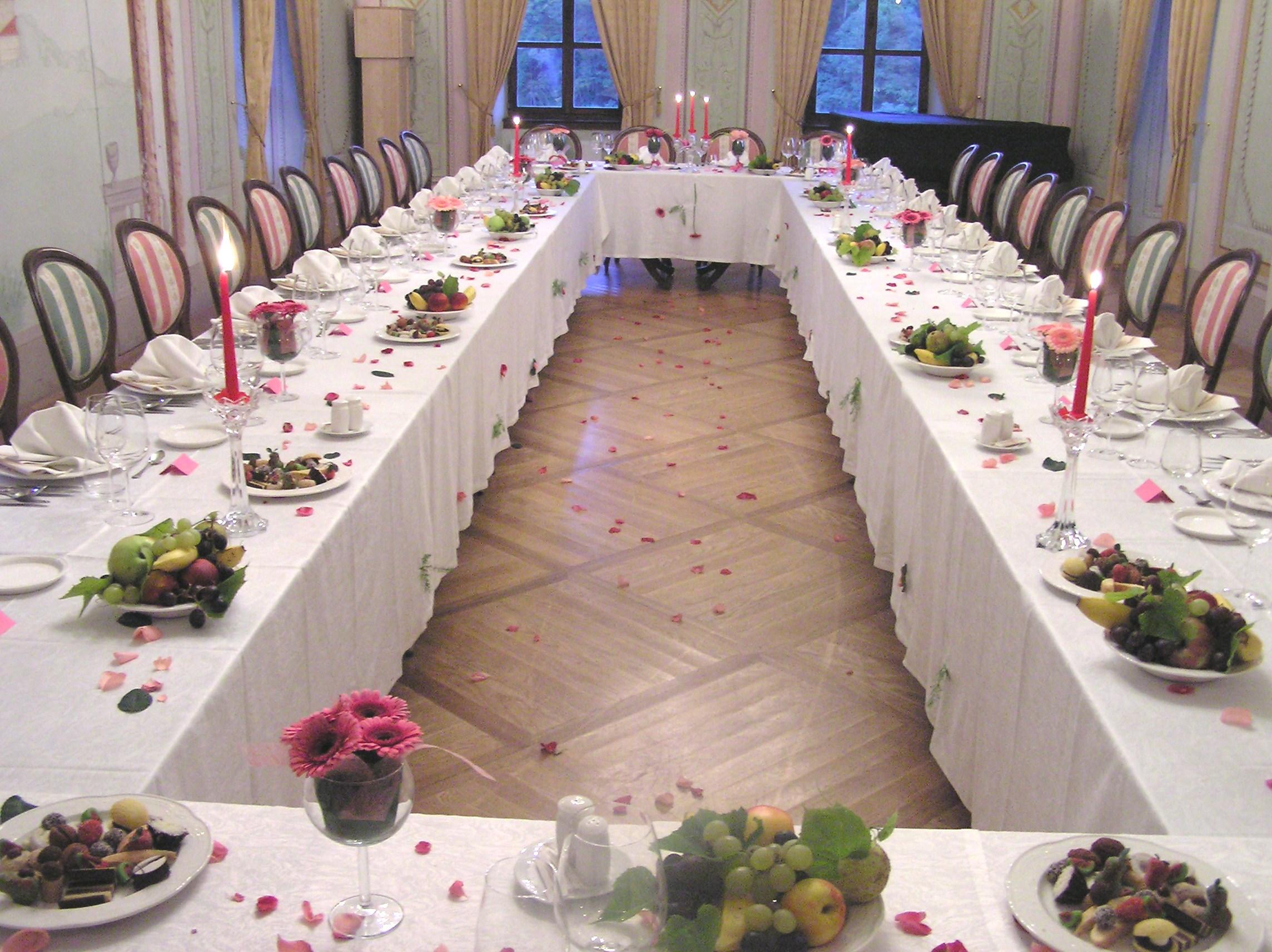 Poročni obed v veliki slavnostni dvorani_ Dvorec Strmol, Rogatec
