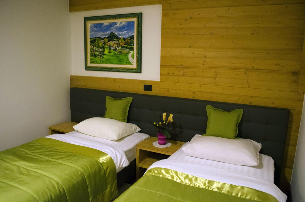 Guesthouse Jutriša with accommodation