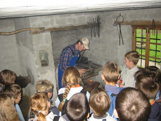 Ročno kovanje - prikaz v muzejski kovačnici @ Muzej na prostem Rogatec | Šmarje pri Jelšah | Slovenija