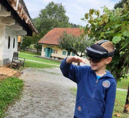 Raziskovanjem preteklosti s pametnimi očali HoloLens 2 @ Muzej na prostem Rogatec
